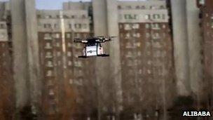 Firma Alibaba testuje zastosowanie dronów do dostarczania przesyłek
