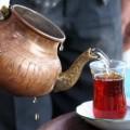 jak odkamienić czajnik