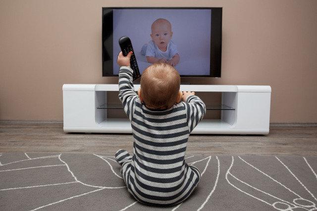 telewizor dziecko