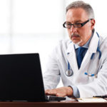 Jaki laptop dla lekarza, ranking polecanych modeli