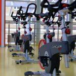 Orbitrek czy rowerek – co jest bardziej efektywne?